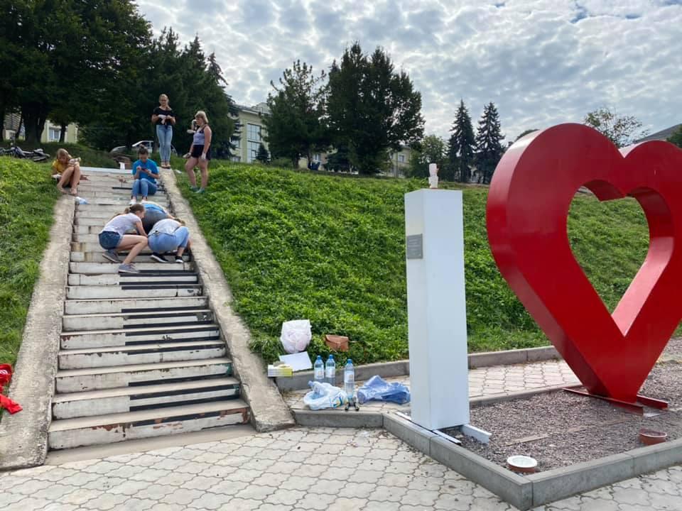 """Сходи-піаніно біля Тернопільського ставу """"заграють"""" по-новому"""