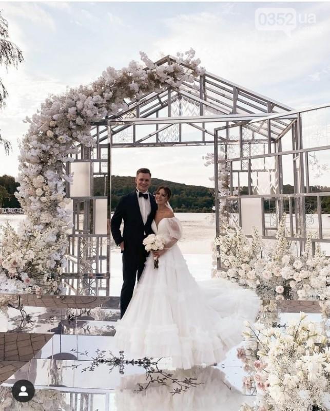 Віктор Павлік співав на весіллі відомої тернопільської блогерки