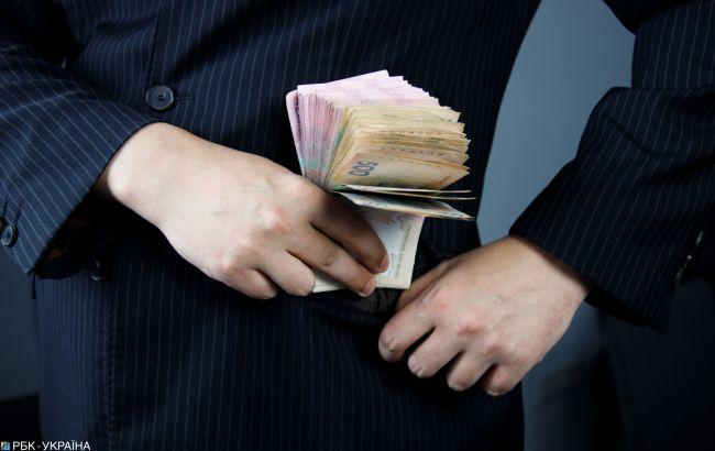 Спіймали жінок, які у Тернополі викрали у пенсіонерки майже 100 000 грн