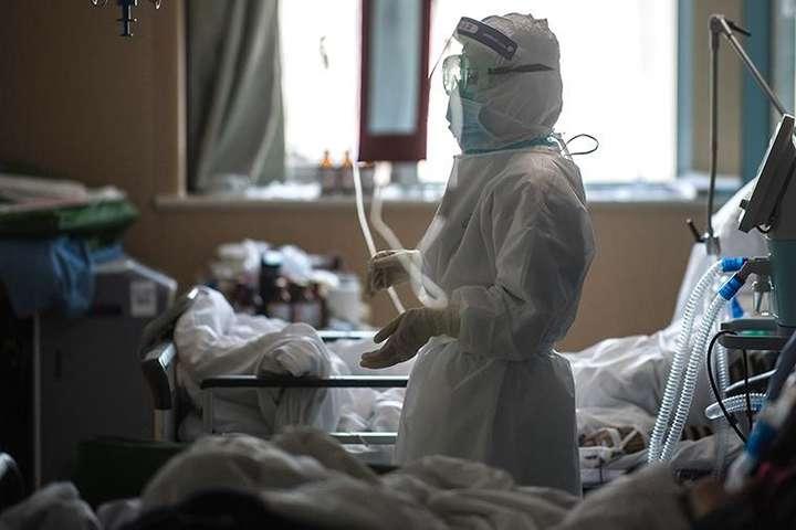 Медики Тернопільщини б'ють на сполох: 184 випадки коронавірусу за добу