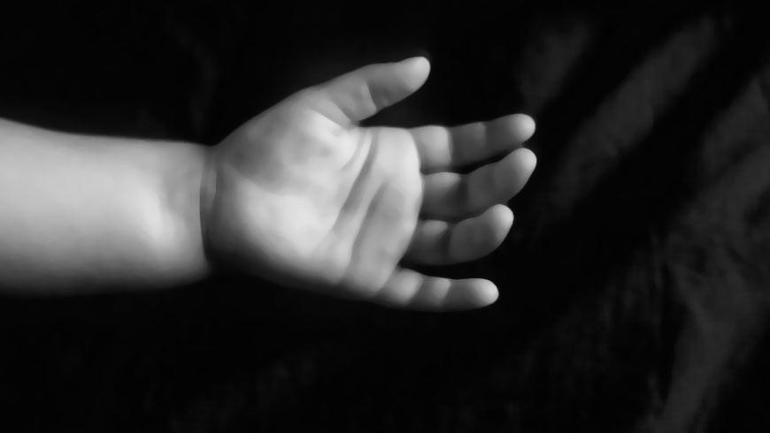 """""""Породілля до останнього дня працювала в полі"""": на Тернопільщині в туалеті знайшли мертве немовля (ФОТО)"""