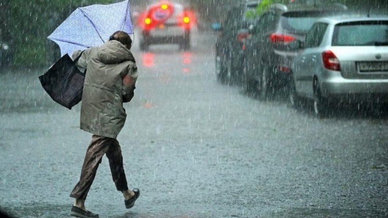 На Тернопільщині попереджають про сильні дощі, грози, пориви вітру і град: IІ рівень небезпеки
