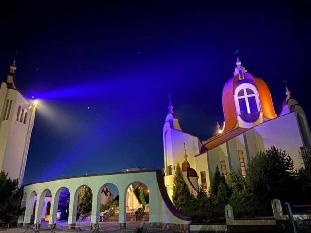 """""""Знайомий храм у оновленій красі"""": у Тернополі церква вразила людей (ФОТОФАКТ)"""