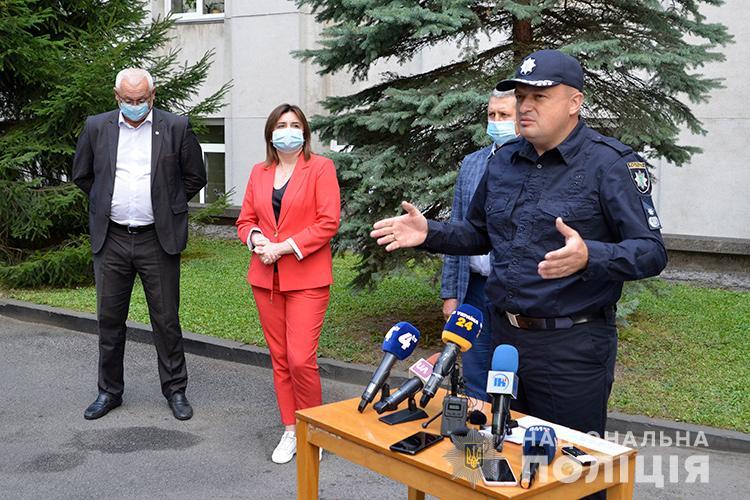 Поліція Тернопільщини на брифінгу повідомила, що далі штрафуватиме порушників карантинного режиму (ВІДЕО)