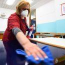 Довідка лікаря і ПЛР-тест: за яких умов школярі можуть повернутися за парти, якщо у класі виявили коронавірус