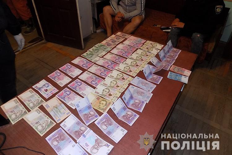 Поліція спіймала злочинців, яків обкрадали офіси на Заході України