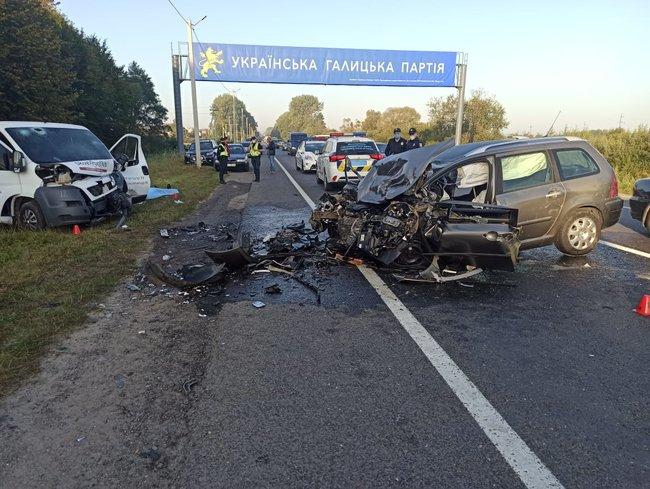 Чоловік з Тернопільщини загинув у жахливій аварії на Львівщині (ФОТО)