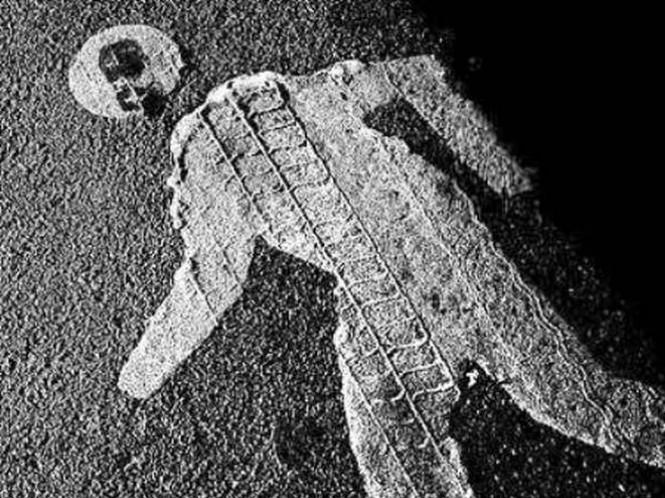 """Смертельна аварія на Тернопільщині: поки водій купував яблука, його """"Мерседес"""" покотився і розчавив чоловіка"""