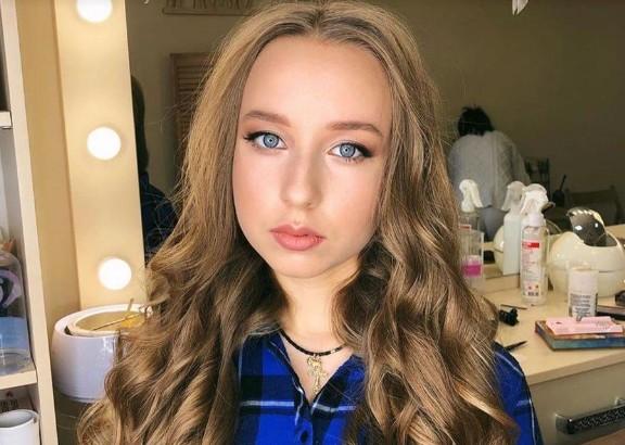 17-річна українка у комі після ДТП у Словаччині: родичі благають про допомогу (ФОТО)