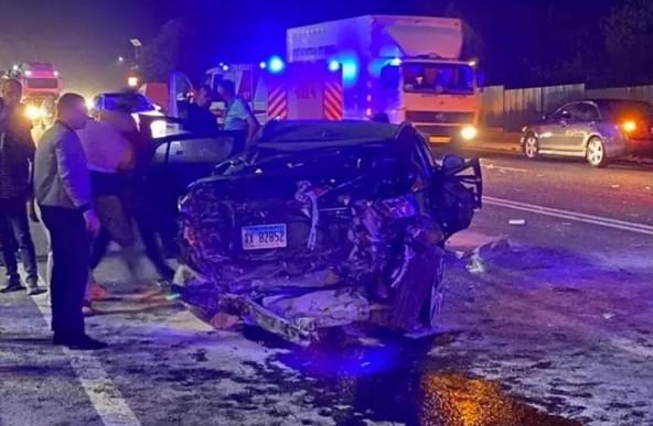 Серйозна аварія біля Тернополя: позашляховик розтрощений (ФОТО)
