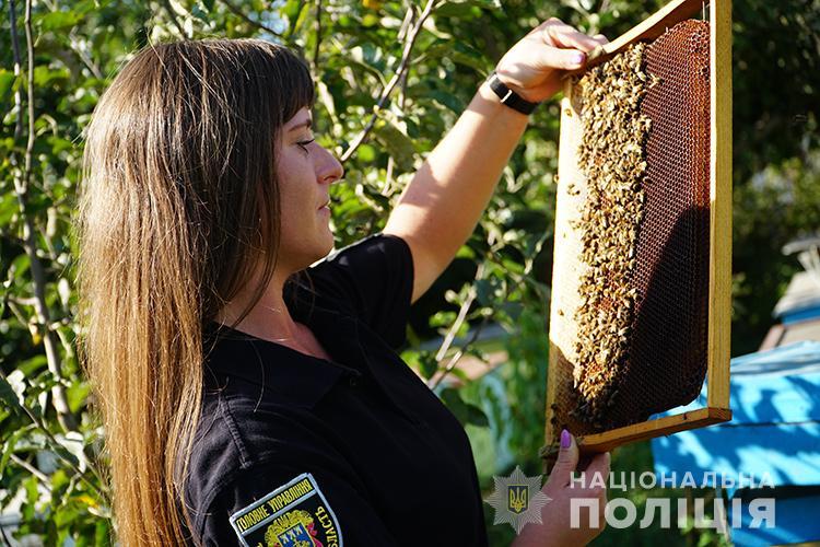 Дівчина-поліцейська з Тернопільщини розповіла про своє незвичайне захоплення (ФОТО, ВІДЕО)