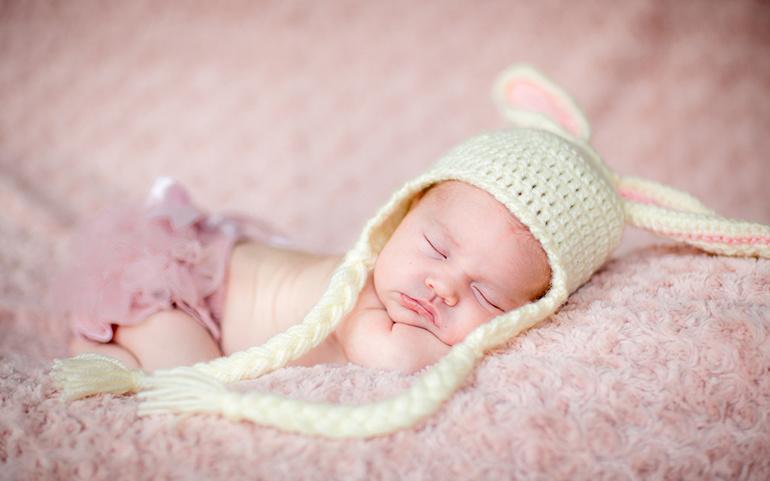 У кімнату нікого не пускала: тернополянка таємно народила недоношену дитину і не звернулася до медиків