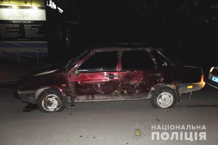 Їздили на дискотеку: у Тернополі чоловіки викрали автомобіль, а потім на ньому перекинулися  (ФОТО)