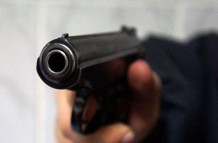 П'яний тернополянин наскрізь прострелив собі ногу