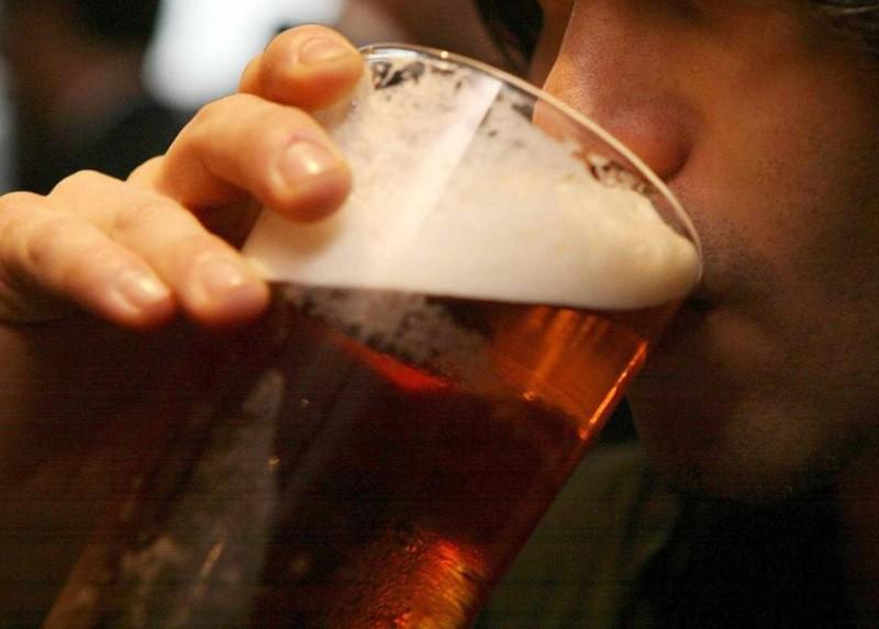 У Тернополі судили батька, бо 11-річний син вживав алкоголь у громадському місці