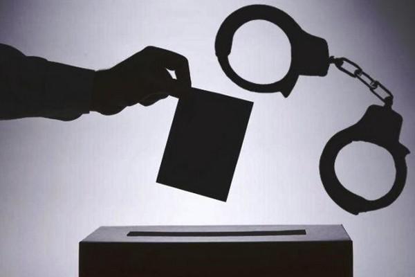 У поліцію надійшло півсотні повідомлень про можливі порушення на виборах