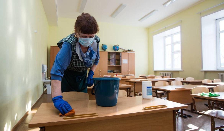 Захворіло багато вчителів та батьків: у Тернополі через коронавірус закрили школу