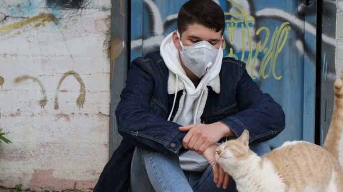 """""""Це вже не жарти"""": коронавірус із ускладненнями почав частіше вражати молодь"""
