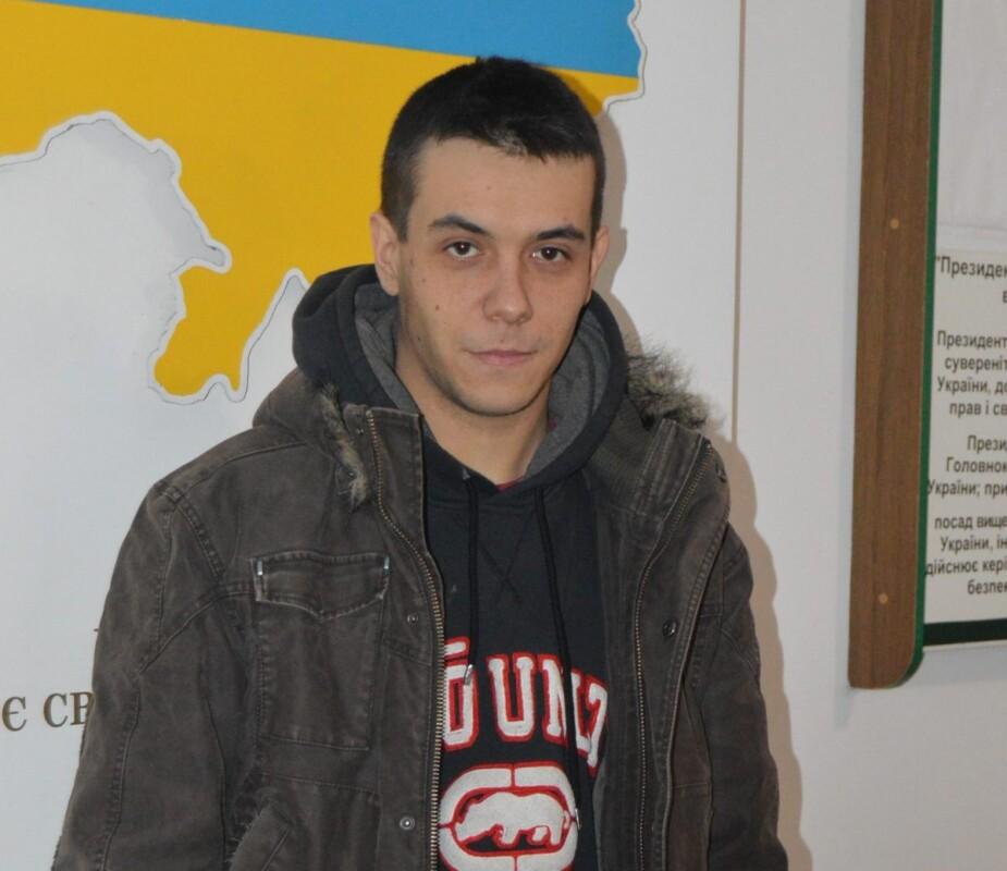 Хочуть служити: у Тернополі до військкомату просяться і 17-річні хлопці