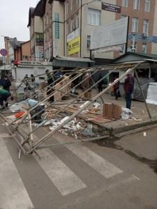 В Тернополі демонтували ще дві тимчасових споруди