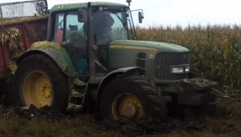Як на Тернопільщині покарали тракториста, який забруднив болотом дорогу