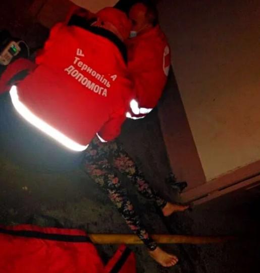 У Тернополі у пожежі ледь не загинула жінка (ФОТО)