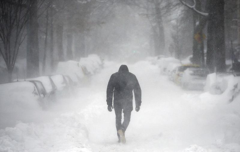 Насувається похолодання на Західну Україну: йтимуть дощі з мокрим снігом, а на дорогах утворюватиметься ожеледиця