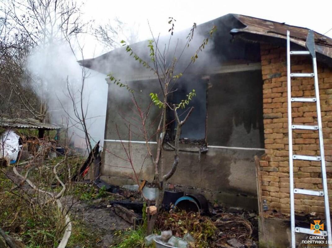 На Тернопільщині під завалами живцем згоріла людина (ФОТО)