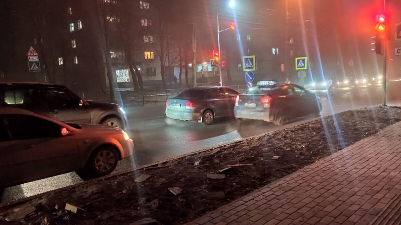 """""""Острівці безпеки"""" на Тарнавського створюють затори і нервують водіїв?"""