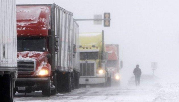 Негода на Тернопільщині: обмежили рух вантажівок