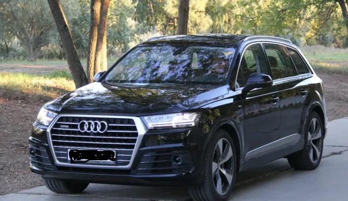 """""""Це справжнє диво"""": українець у Польщі загубив на дорозі Audi Q7, яку віз на причепі"""
