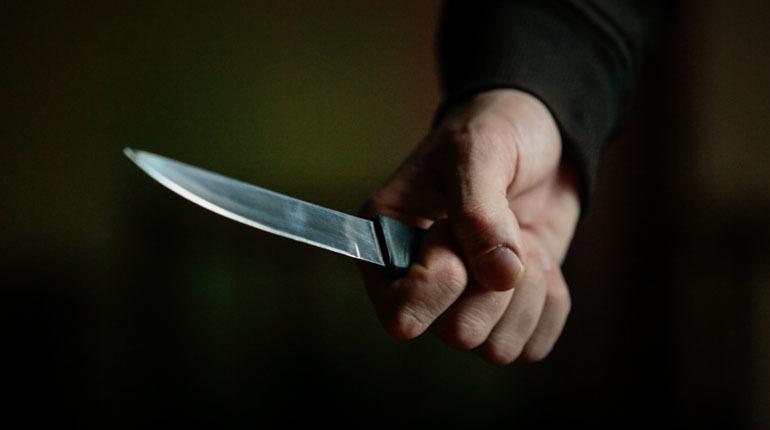 Криваві розбірки у Тернополі: чоловік ножем поранив сусіда біля під'їзду