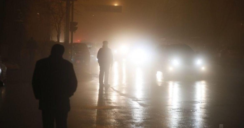 Сильні пориви вітру, ожеледиця, туман і мряка: жителів Тернопільщини просять бути обережними