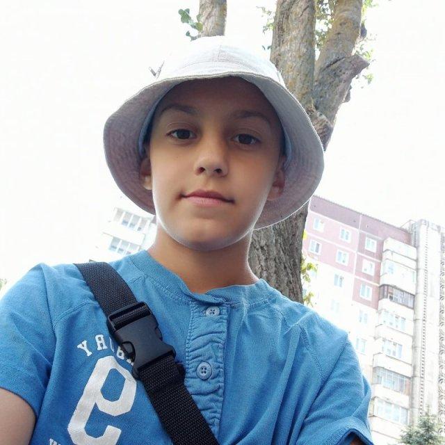 """""""Він все розуміє і пам'ятає"""": мама Максима, якого підстрелили у Тернополі, розповіла про сина"""