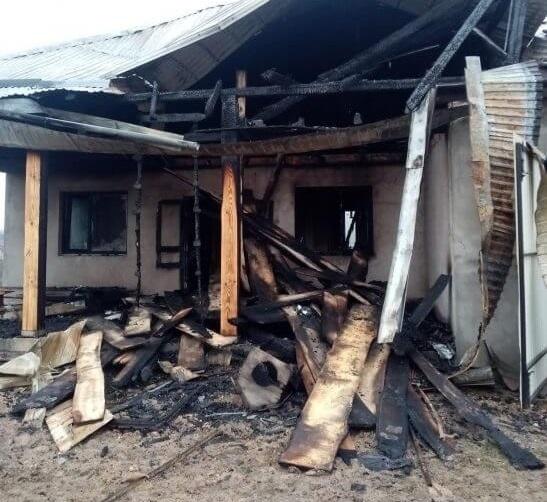 На Тернопільщині чоловік шість років будував хату, а злодії спалили за годину
