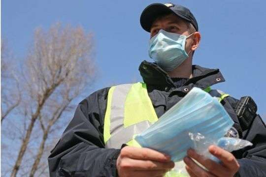 Тепер в Україні штрафуватимуть підприємців за відсутність масок у клієнтів
