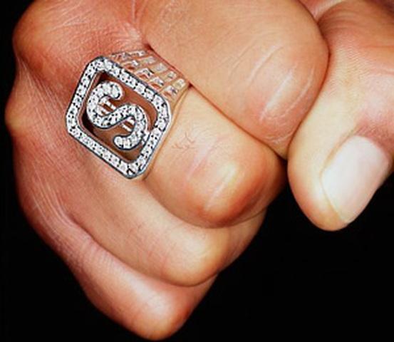 На Тернопільщині злодій навіть печатку зняв з пальця чоловіка
