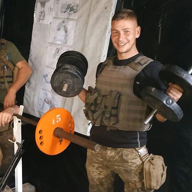 """""""Боже милий, куди ж ти дивишся?"""": на Сході загинули двоє молодих військових (ФОТО)"""