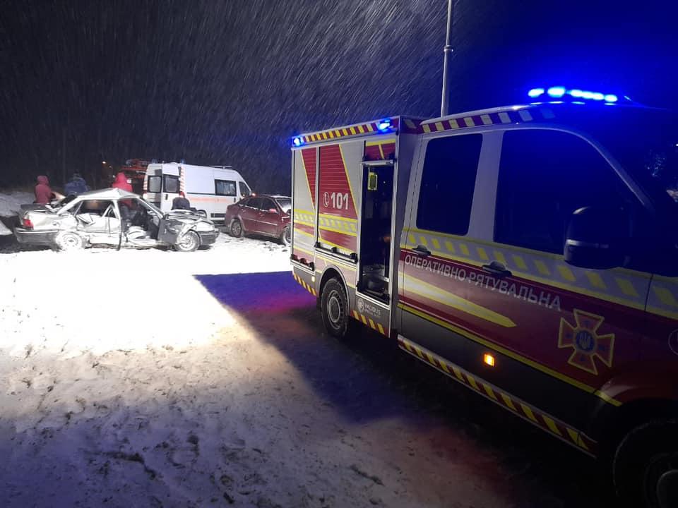 Смертельна аварія на Тернопільщині: зіткнулися два автомобілі