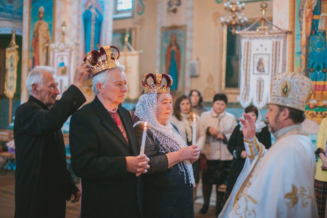 На Тернопільщині сімейна пара вдруге взяла шлюб після 50 років спільного життя (ФОТО)