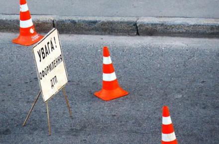 У Тернополі біля ринку автомобіль збив школяра