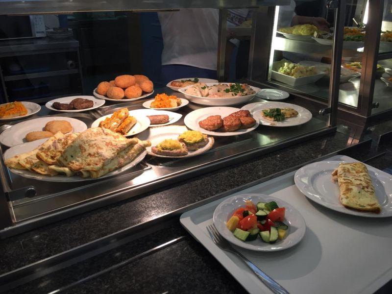 Меню нардепів: скільки коштує обід у їдальні Верховної Ради