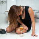 У Тернополі рятували нетверезу жінку, яка упала в туалеті і зламала ногу