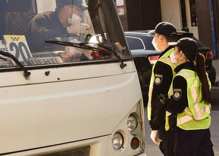 У Тернополі перевіряють, як дотримуються карантину у громадському транспорті