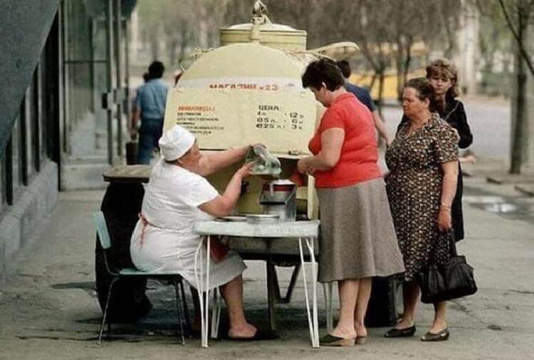 Порівняли ціни в СРСР і зараз: що можна було купити за середню зарплату