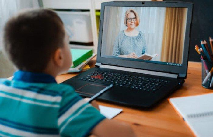 Жительку Тернопільщини притягли до відповідальності за те, що в сина не було інтернету