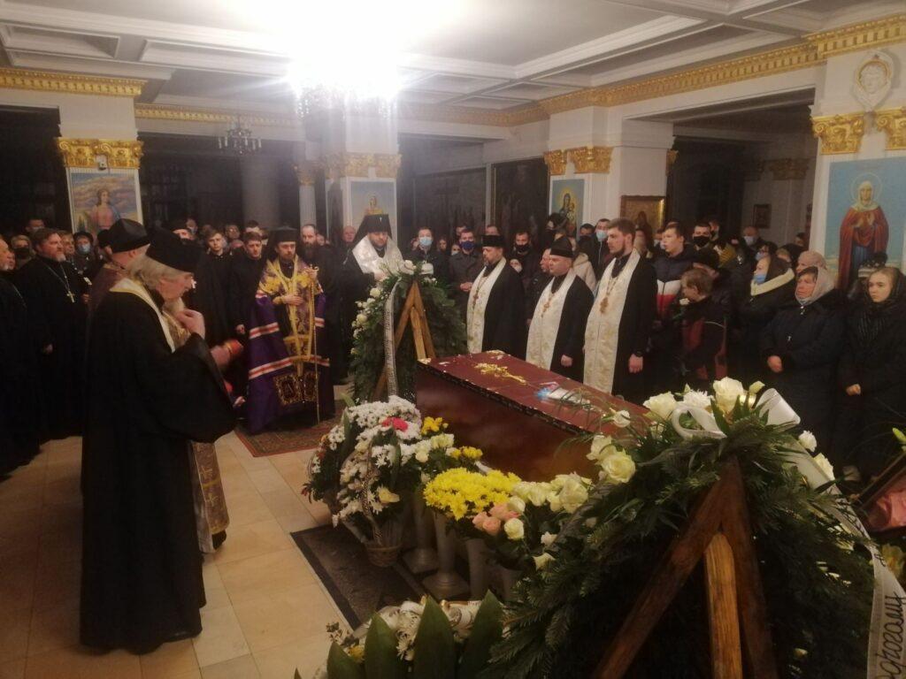 У Тернополі попрощалися з 21-річним сином відомого священника, який загинув у Єгипті (ФОТО)