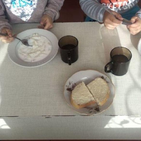 Вода в бочках, годують лише кашею: вихованці дитсадка на Тернопільщині перебувають у жахливих умовах (ФОТО)