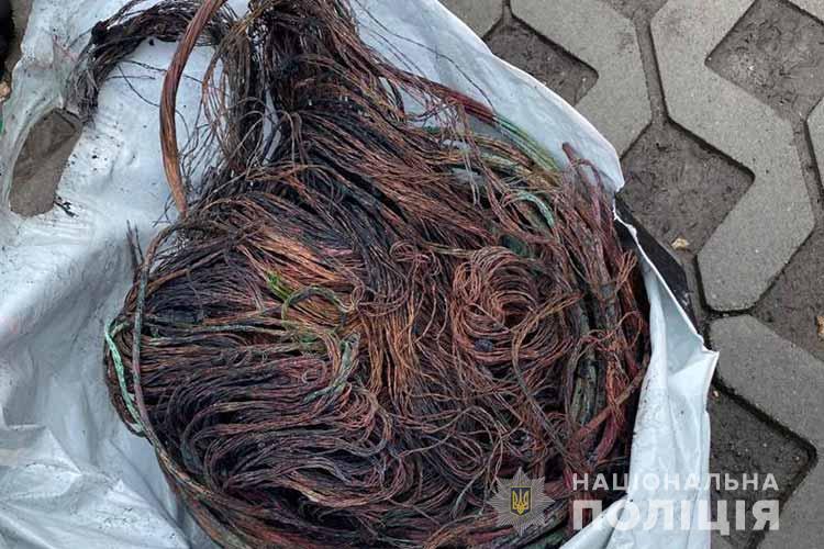 Спіймали чоловіка, який викрав кабель із аераційного фонтана в центрі Тернополя (ФОТО, ВІДЕО)