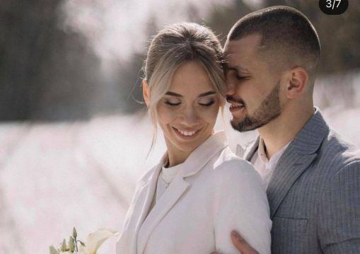 Гірко молодятам: у Тернополі одружився триразовий чемпіон Європи з боксу Віктор Петров (ФОТО)